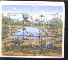DOMINICA     2137 *   MINT NEVER HINGED MINI SHEET OF DINOSAURS - Briefmarken