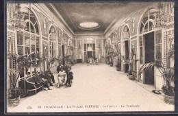 DEAUVILLE -- La Plage Fleurie . Le Casino -- Le Vestibule . - Deauville