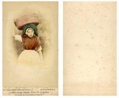 A. Jager, Pays-Bas Une Femme En Costume Traditionnel De Scheveningue - Anciennes (Av. 1900)