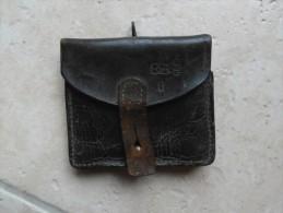 cartouchiere noire francaise en cuir de piou piou campagne de la marne 1914