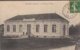 33-BASSENS-La Salle Des Fêtes  1912  Animé - Sonstige Gemeinden