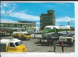 CPM - IRELAND - Terminal Building Corck AIRPORT -  Très Bon état -  Avion, Camion - - Aeródromos