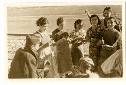 ESPAGNE 1936 GUERRE CIVILE EN CATALOGNE DES REFUGIES DANS LE STADE DE BARCELONE - Barcelona