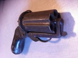 Revolver Poivrière à Broche Type Deprez, Six Coups, Calibre 9 Mm,  Vers 1860/1870 - Armes Neutralisées