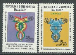 Madagascar n� 650 / 51 XX  Journ�e mondiale des t�l�communications,  les 2 valeurs sans charni�re, TB
