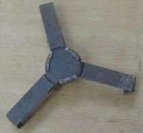 croisillon prot�ge armorce pour obus de 105 allemand