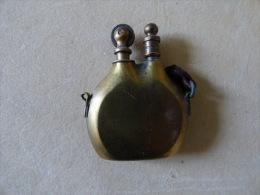 briquet de poilu en forme de Gourde Guerre 1914 1918  artisanat de tranch�e