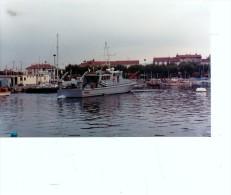 Batiment Militaire Marine Francaise A 702 Girelle Sur Base Saint Raphael  1982  Vue 3 - Boats