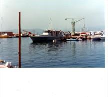 Batiment Militaire Marine Francaise A 702 Girelle Sur Base Saint Raphael  1982  Vue 5 - Boats