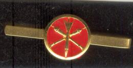 Pince  Broche Cravate Artillerie. NEUVE