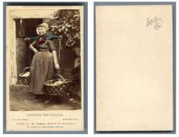A. Jager, Pays-Bas Une Femme En Costume Traditionnel D'Arnemuiden - Anciennes (Av. 1900)