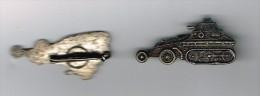 insigne auto  MITRAILLEUSE / 1940  a chenilles