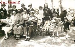 CARTE PHOTO : VICHY GROUPE DE CURISTES AU PARC STATION THERMAL 03 ALLIER - Vichy