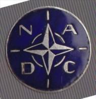 NADC. (Commandement de Secteur de d�fense de l'atlantique nord Etat major international OTAN avant 1958). insigne de bou