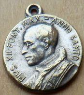 Mad-612 Médaille Ancienne Pius XII Anno Santo 1950 - Godsdienst & Esoterisme