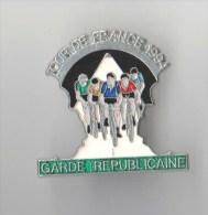INSIGNE GARDE REPUBLICAINE TOUR DE FRANCE 1994, �mail - DELSART - 30 mm - Fixation Type Pin's