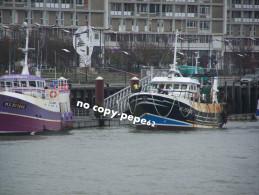 boulogne sur mer -le port -chalutiers-�toile du berger-morlaix-MX905646-P AX DEI-BL734505- photo cpm