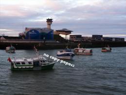 boulogne sur mer -le port -chalutiers bloquant le chenal-photo cpm