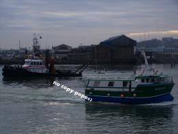 boulogne sur mer -sortie du port -chalutier  murex-BL595005-photo