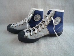 Escalade Chaussures EB Super Gratton ann�es 70 Made in France. vintage neuf. Voir photos