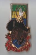 INSIGNE PRESIDENT OMAR BONGO 4 EFA TBL , GABON , taureau dor� , 65 X 37 mm - J BALME SAUMUR