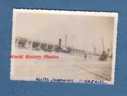Photo ancienne - SAINT NAZAIRE - Les abris de Sous Marin - vers 1947 - Bateau - Automobile - Marine Nationale