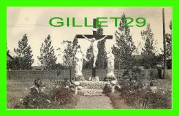 À IDENTIFIER - CROIX AVEC STATUE AU CANADA DE 1933 - - A Identifier