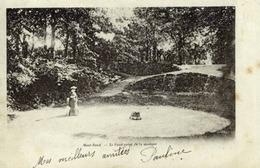 18 SAINT-AMAND-MONTROND - Le Rond-Point De La Musique - Animée - Précurseur (dos 1900) - Saint-Amand-Montrond