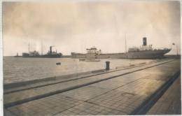 """PHOTO FRANCIS MURO - Le steamer """"MONIQUE"""" et le steamer norv�gien """"SOLSTAD""""  dans l'avant-port de La Rochelle"""