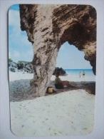 H79 Postcard Bermuda - Natural Arches - Cartes Postales
