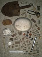 lot de terrain US 1917 1918 boutons collar disc peigne rasoir gamelle pelle masque plaque d�identit� piquets de tente ..