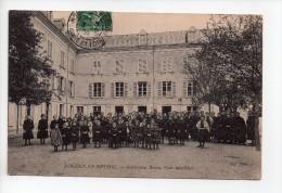 NOGENT LE ROTROU (28) - Institution Renou, Cour Intérieure - Groupe De Filles (20) - Nogent Le Rotrou