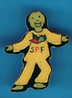 PIN�S //   . S.P.F. SECOURS POPULAIRE FRAN�AIS