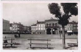 Cpa TONNEINS Place Du Chateau Ou Jean Jaures - Tonneins