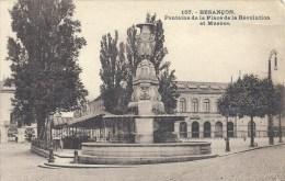 FRANCHE COMTE - 25 - DOUBS -BESANCON - Fontaine De La Place De La Révolution Et Musée - Petit Accroc HD - Besancon