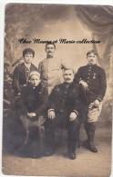 1918 - CARTE PHOTO MILITAIRE 4 ET 87 EMES REGIMENTS AVEC CROIX DE GUERRE 1 ETOILE - Personnages