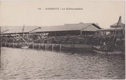 CARTE POSTALE ANCIENNE DJIBOUTI,jabuuti,afrique, 1900,DEBARCADERE,transpor T De Bois Et Nourriture - Djibouti