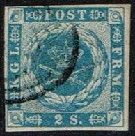 1855. Dotted Spandrels. 2 Skilling Blue. (Michel: 3) - JF161328 - 1851-63 (Frederik VII)