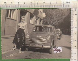 PO9886C# FOTOGRAFIA AUTO FIAT 1100  TARGA MILANO - OLD CARS - DONNE PIN UP RICORDO Anni '50 - Cars
