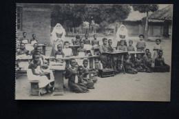 Congo Belge Ecole Tenue Par Des Soeurs - Belgisch-Congo - Varia