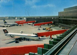 AK FLUGWESEN AERODROME FLUGHAFEN AIRPORT HANNOVER  BEA ALTE POSTKARTE 1974 - Aérodromes