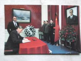 USA   President Reagan Yuri Andropov Funeral - Soviet Embassy 1984   D123964 - Personaggi