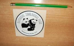 Vintage 70's/80's Washington Zoo With Pandas Sticker Decal - Autocollants