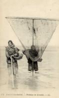 59- MALO-les-BAINS- Pêcheuses De Crevettes- Animée-gros Plan -Petit Métier Féminin De La Mer - Malo Les Bains