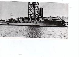Batiment Militaire Marine Francaise Contre Torpilleur Verdun En Achevement A Quai - Boats