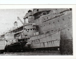 batiment militaire marine francaise M 662 amare a un autre batiment a Brest 1965