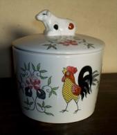UCAGCO - Pot Avec Couvercle Coq Aux Roses - Rooster & Roses Lidded Jaar - Dekselpot Haan En Rozen - DI222 - Ucagco (JPN)