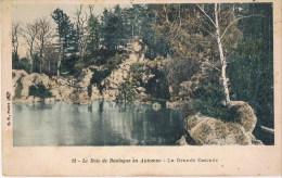 Bois De Boulogne  En Automme  13 La Grande Cascade - Parques, Jardines