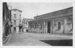 Place De La Vieille Halle  -- Carte Glacée - Coulonges-sur-l'Autize