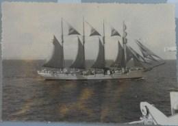 PHOTO ORIGINALE Lot De 2 VOILIER ESPAGNOL 4 MATS JUAN SEBASTIEN DE ELCANO AOUT 1958 - Boats